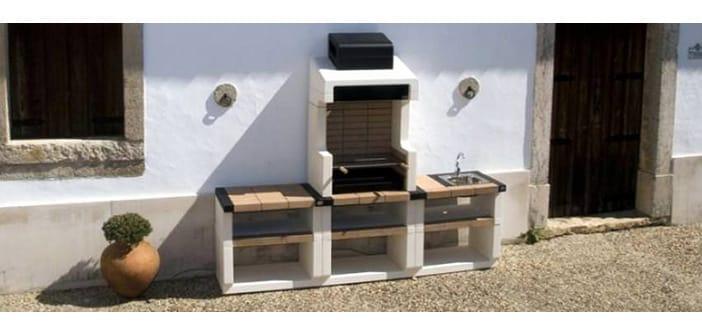 Dise o exterior moderno integrando una barbacoa de obra en - Barbacoas para terrazas ...