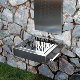 Etna Luxury Barbacoa de diseño para carbón en acero inoxidable.